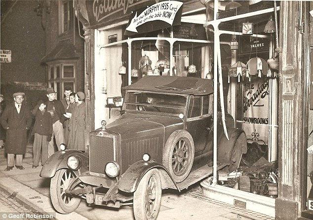 Один магазин и аварии каждые 76 лет (Англия)
