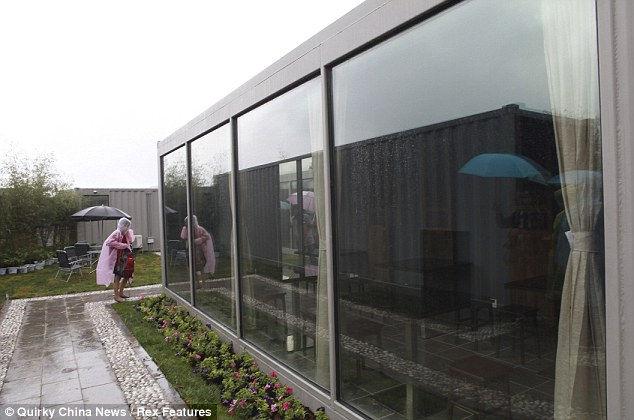 Отель из морских контейнеров (Китай)