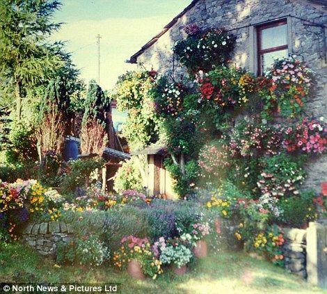 Анна и Робин Стрейндж и их цветочный дом (Англия)