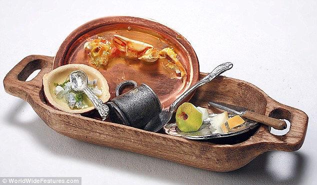 Миниатюрные блюда размером с монету от Гейл и Эйлин Такер (Gail Tucker)