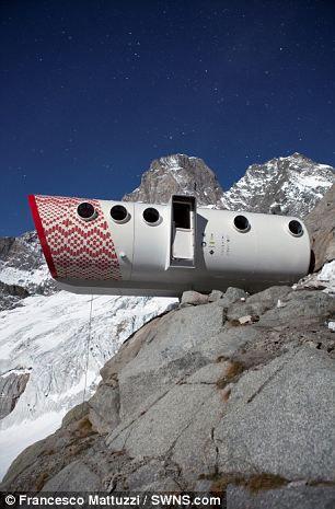 Футуристический отель-убежище в Альпах (Италия)