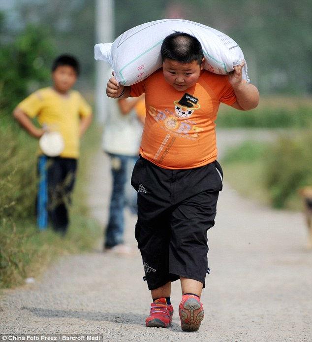 Ян Джинлонг: самый сильный 7-летний мальчик (Китай)