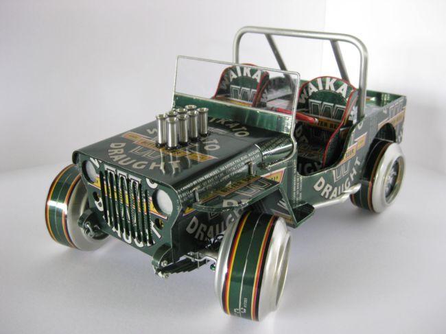 Модели автомобилей из алюминиевых банок от Санди Сандерсона