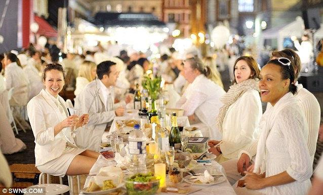 Diner en Blanc: тайный ужин в белом (Англия)