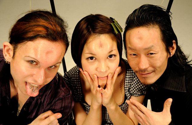 Бубличные лбы: новая мода японской молодежи