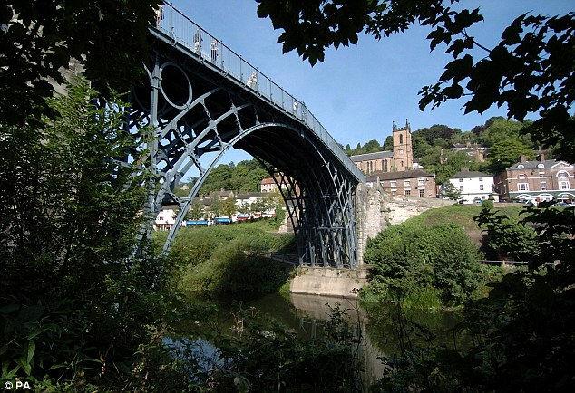 Iron Вridge: первый в мире металлический мост (Англия)