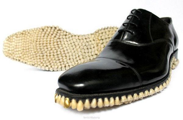 Зубастые ботинки от Фантич и Янг