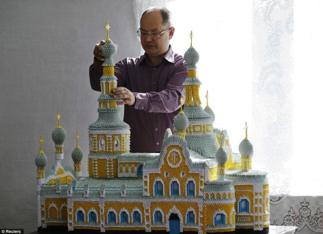 Сергей Тарасов: человек, который сделал Москву из бумаги (Россия)