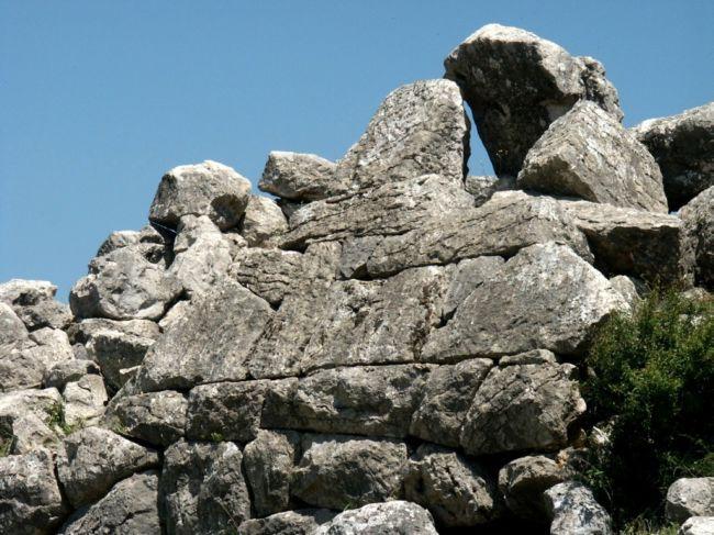 Древнегреческая пирамида в Эллинико (Греция)
