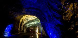 Часовня в колумбийской соляной шахте