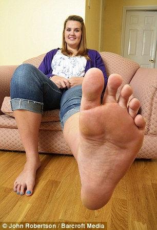 Эмма Кэхилл: большая обувь для большой девушки (Англия)