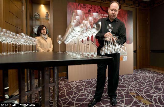 Филипп Осентон: 51 бокал в одной руке