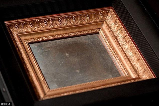 «Вид из окна в Ле Грасе»: первая в мире фотография (Франция)
