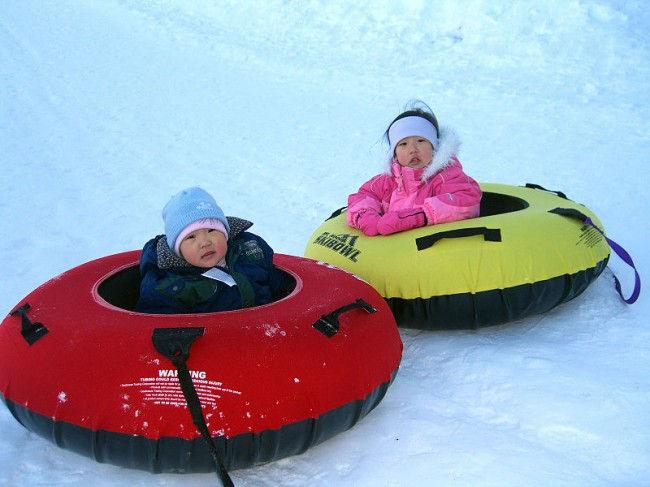 Тюбинг: зимнее развлечение на надувных санках