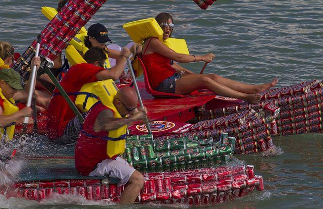 Darwin Beer Can Regatta: Регата Пивных Банок (Австралия)