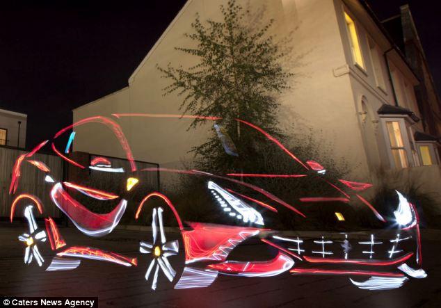 Световое автомобильное граффити Камерона и Брауна