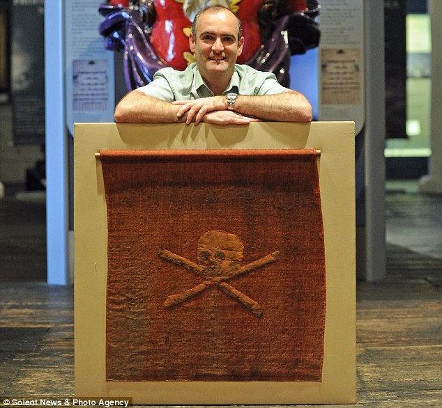 Самый древний пиратский флаг Веселый Роджер (Англия)