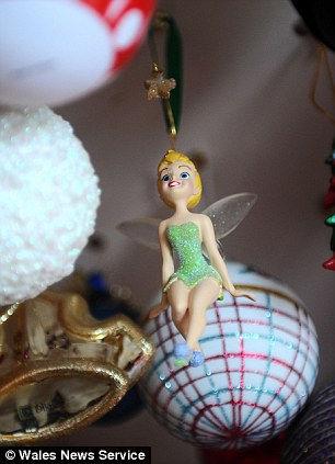 Сильвия Поп: 3000 рождественских игрушек (Англия)