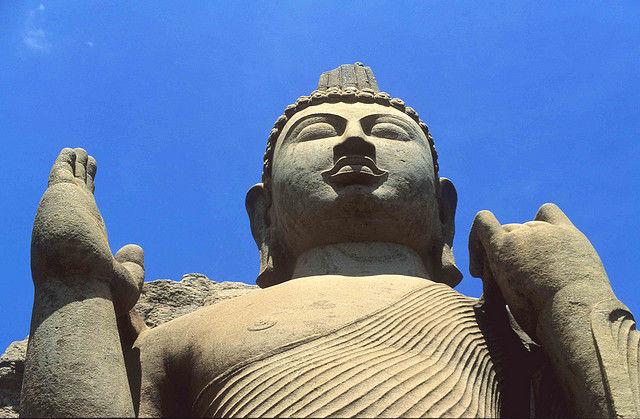 Статуя Аукана Будда (Шри-Ланка)