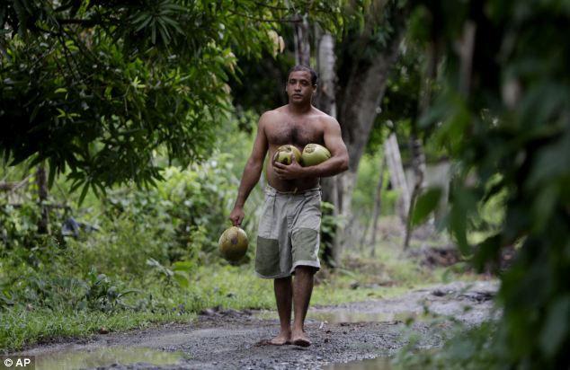 Эрнандес Гарридо: человек с 24 пальцами (Куба)