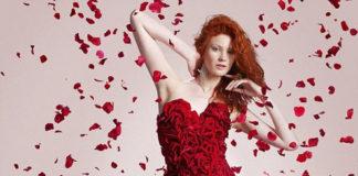 Платье из лепестков роз от Джо Масси (Англия)