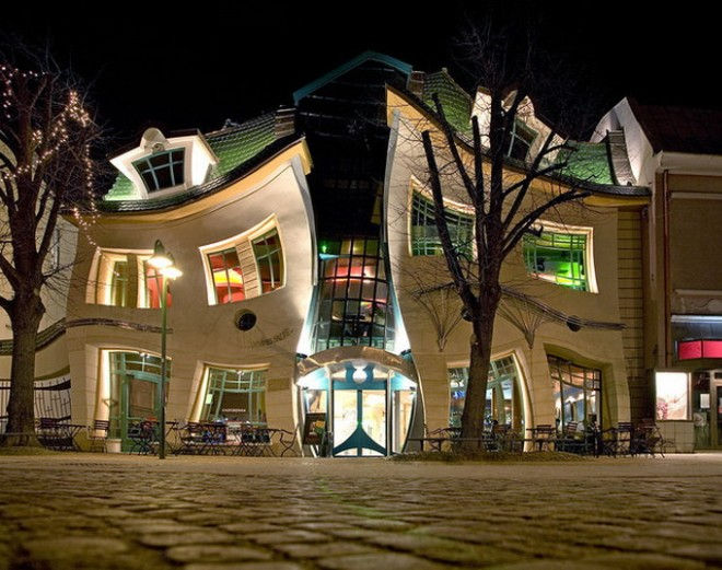 Кривой Дом в Польше