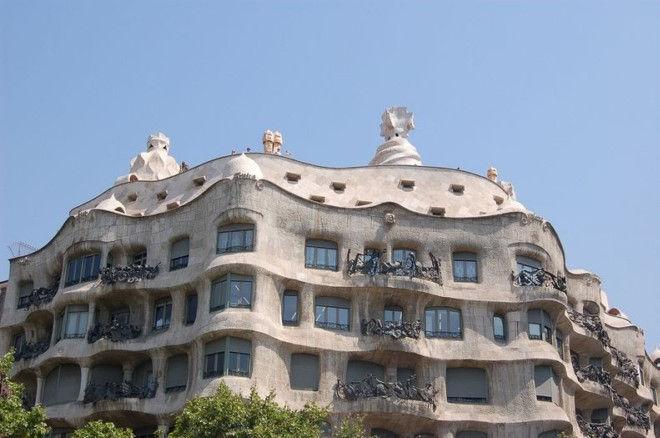 Дом Мила: жемчужина Барселоны (Испания)
