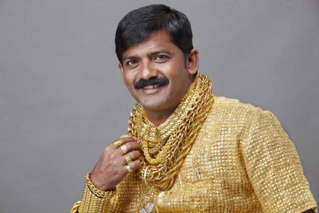 Датта Фьюдж: золотая рубашка для золотого парня (Индия)