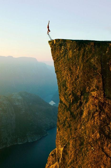 Эскил Роннингсбаккен: балансировка на высоте 1000 метров (Норвегия)
