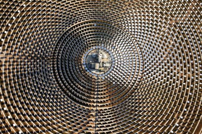 Первая солнечная электростанция, работающая без солнца (Испания)