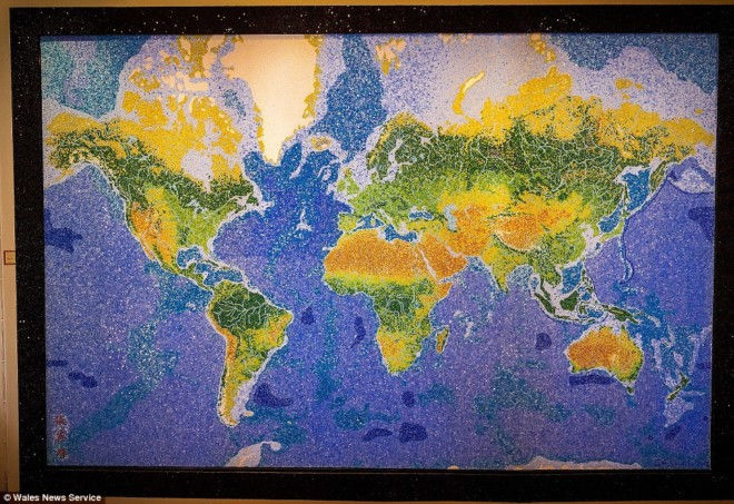 Стеклянная карта мира от Криса Чемберлена (Англия)