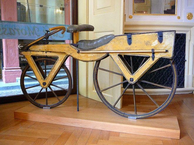 Fliz: велосипед без педалей и седла (Германия)