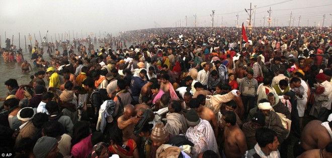 Фестиваль Кумбха-мела: в поисках нектара бессмертия (Индия)