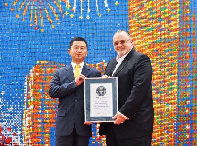 Самая большая мозаика из кубика Рубика (Китай)