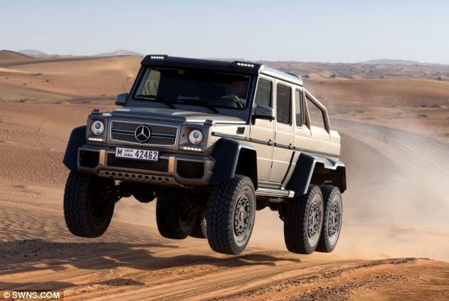 Mercedes-Benz выпустил 6-колесный суперпикап