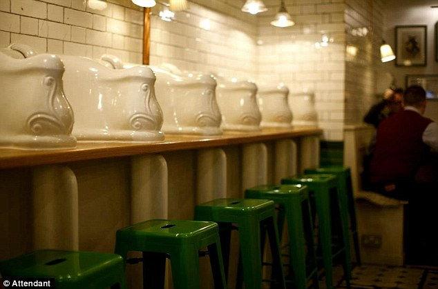 Attendant Cafe: лондонский туалет в новом амплуа (Англия)