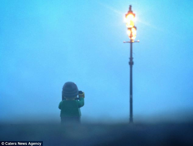 Эндрю Уайт: Лего турист с фотоаппаратом (Англия)