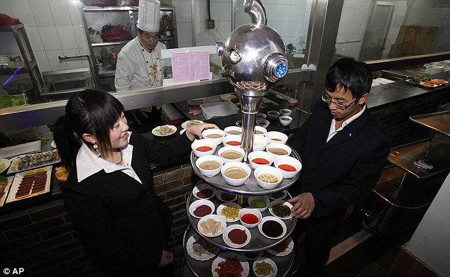 Dalu Robot: ресторан, где работают роботы (Китай)