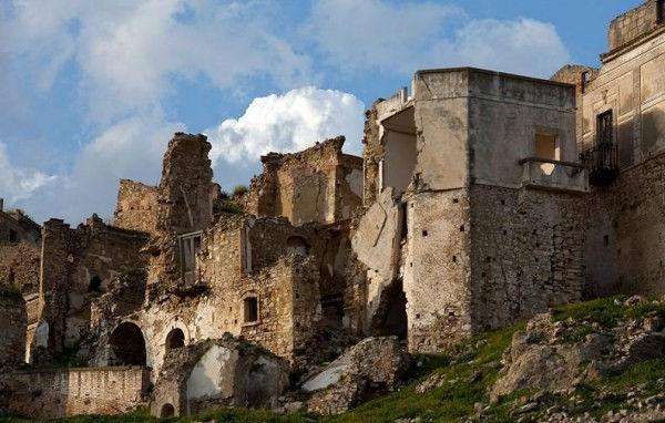 Крако: средневековый город-призрак (Италия)