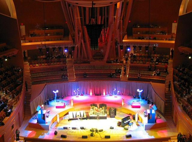 Концертный зал имени Уолта Диснея