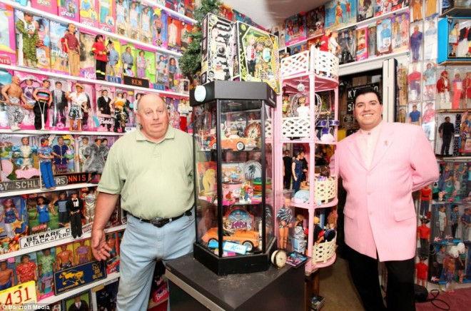 Стенли Колорайт: самая большая коллекция Барби (США)