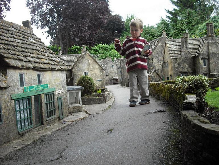 Миниатюрная копия городка Бертон (Англия)