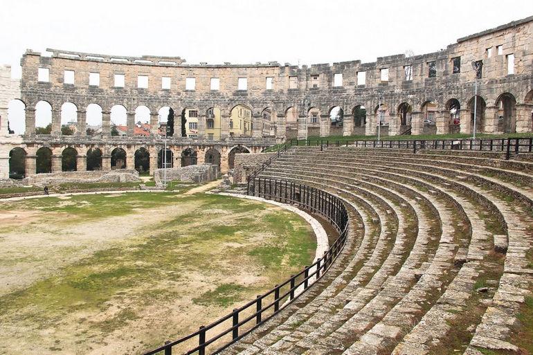 Амфитеатр Пулы: памятник древнеримской архитектуры (Хорватия)