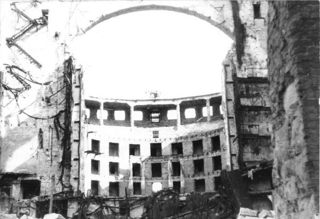 Dresden, zerstörte Semperoper