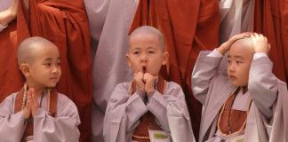 Пострижение мальчиков в монахи в Южной Корее