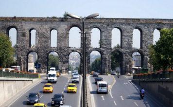 Акведук Валента в Стамбуле (Турция)