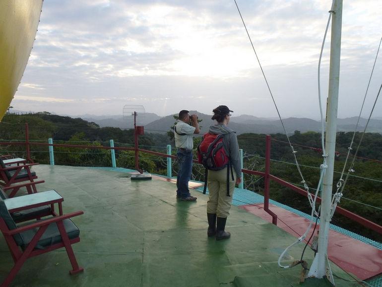 Canopy Tower отель в радарной башне