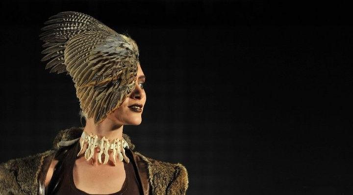 Пух и перья: дизайнерская коллекция Roadkill Couture Collection