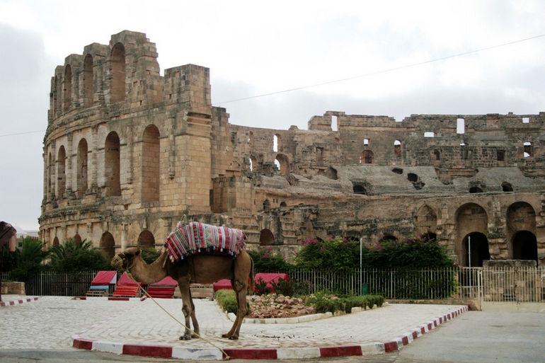 Римский амфитеатр в городе Эль-Джем (Тунис)