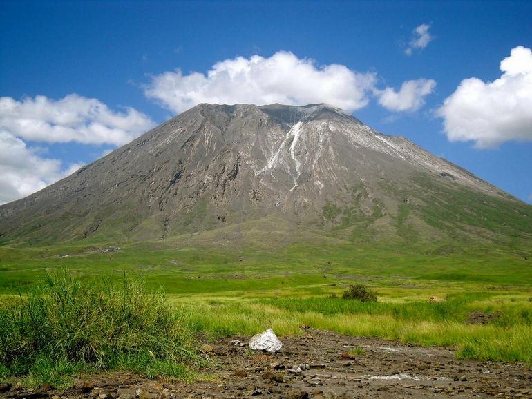 Оль Дойньо Ленгаи самый холодный вулкан в мире